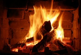 How to build a fire in a fireplace or woodstove