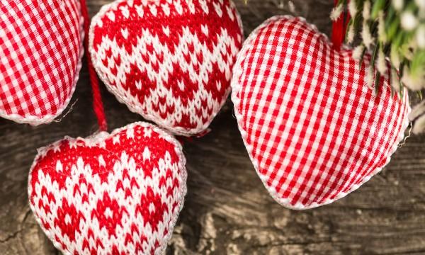 Creative diy ideas for festive fabric christmas ornaments smart tips creative diy ideas for festive fabric christmas ornaments solutioingenieria Choice Image