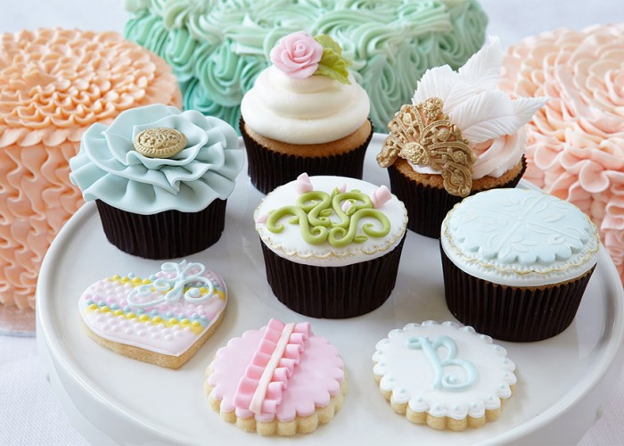 Essentials Of Cake Decorating : Bonnie Gordon Cakes Ltd York Business Story