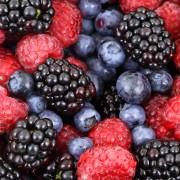 2 simple ways to preserve fresh berries