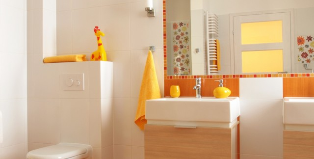 4 easy ways to speed up your bathroom cleaning
