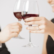 How to maximize the health benefits moderate drinking