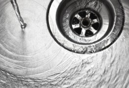 How to unclog a drain? It's easier than it sounds!