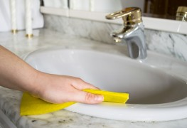 How to Keep the BathrooEasy ways to Keep Your Bathroom Cleanm Clean