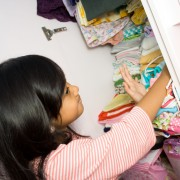 Organizing your kid's closet: the basics for a tidier room