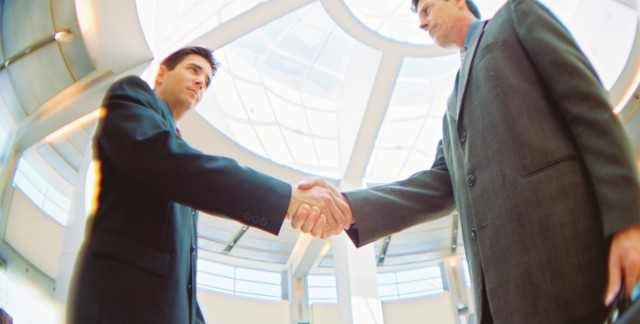 Buyers and sellers: 10 ways a real estate lawyer can help you