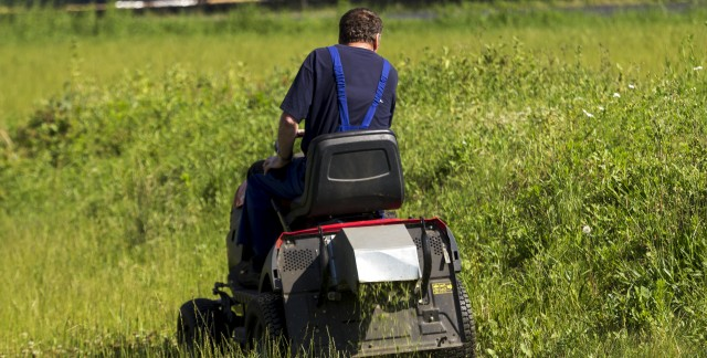 Save money on lawn tractor repairs: expert tips