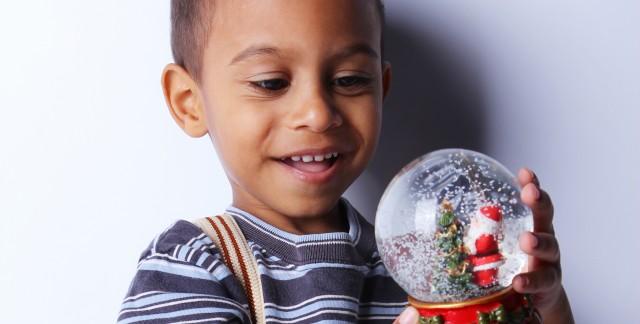 Mini snow globes: 3 steps to making a fun DIY Christmas decoration