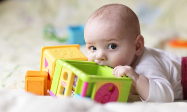 Guide To Choosing Baby Toys : Tips for finding non toxic kids toys smart