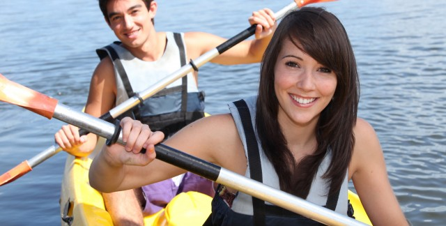 5 basic canoe and kayak paddle strokes