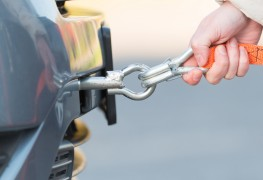 How to safely and securely tow a vehicle