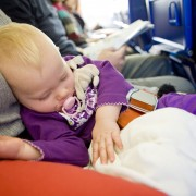 Traveling with baby? Use this checklist and don't miss a thing