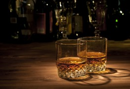 8 of the best whiskey bars across Canada