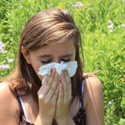 5 easy tips on controlling allergies through diet