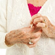 How is rheumatoid arthritis diagnosed?
