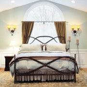 Tips for choosing the right mattress, headboard and bed frame