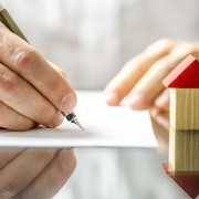 Why signing a moving contract protects you and your wallet