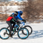 Winter cycling: why installing the right tires is essential