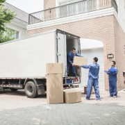7 smart reasons you should hire a moving company