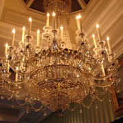 4 factors to consider when choosing the perfect chandelier