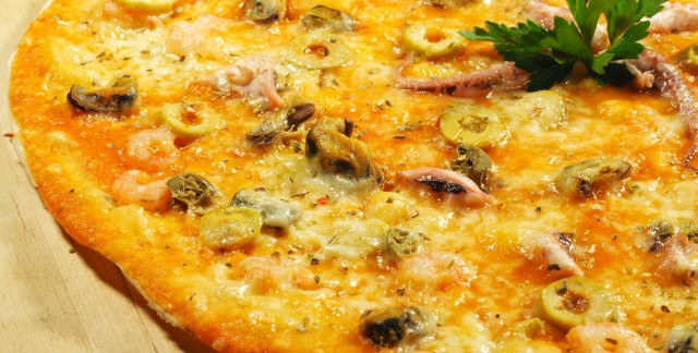 Dinner tonight: clam pizza and grilled salmon