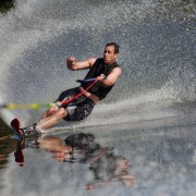 How to avoid common water ski injuries this summer