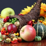 4 tips for Thanksgiving table setting