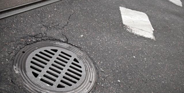 5 steps to fix a flooded manhole drain