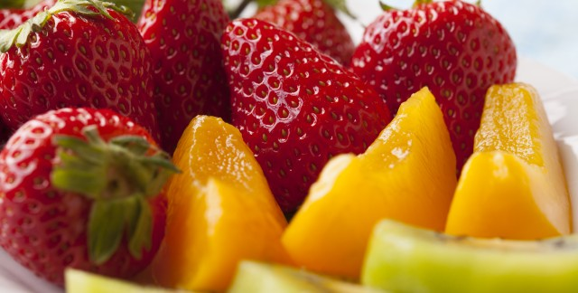 17 helpful tips to get more fruit in your diet