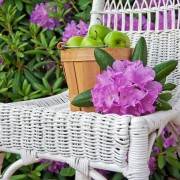 Choosing and caring for garden furniture