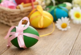 3 ways to create glamorous Easter eggs