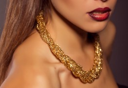 How to clean gold and silver jewellery at home