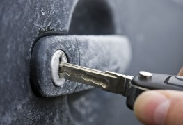 4 household items you can use to de-ice a frozen car lock
