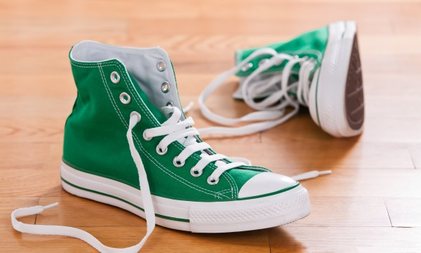 How to wash sneakers and leather shoes smart tips how to wash sneakers and leather shoes ccuart Gallery