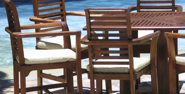 Bringing Patio Furniture Back To Life How To Scrub The