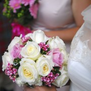 Artificial flowers on your wedding day