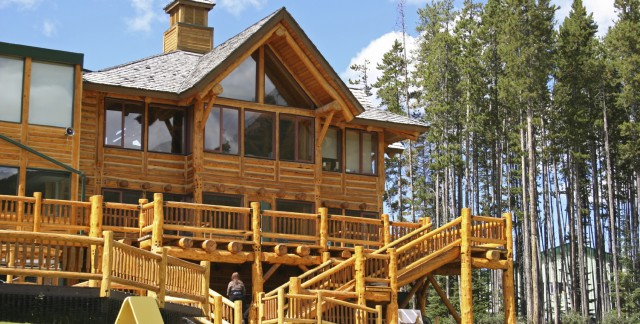 The beauty of log cabin hotels