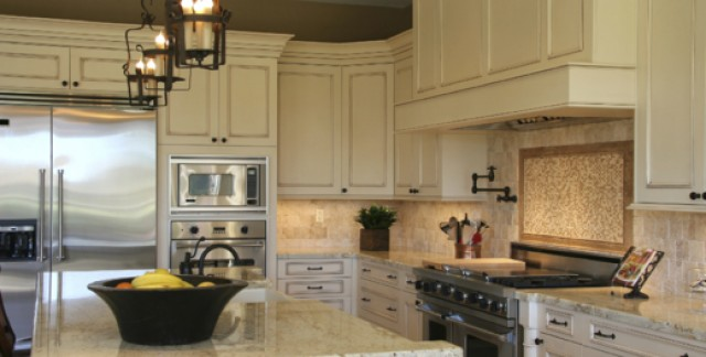 Choosing between granite and quartz countertops
