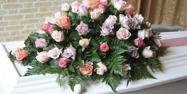 Understanding the meaning of sympathy flower arrangements
