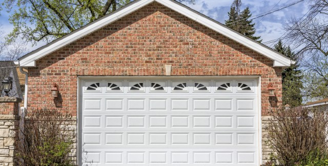 Choosing a garage-door material