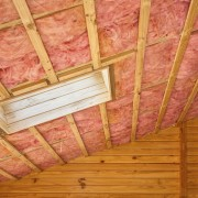 How to insulate a wall using fibreglass insulation