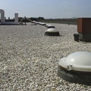 Tips on tar-and-gravel roof repairs