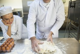 What to know about bakery and pastry school training