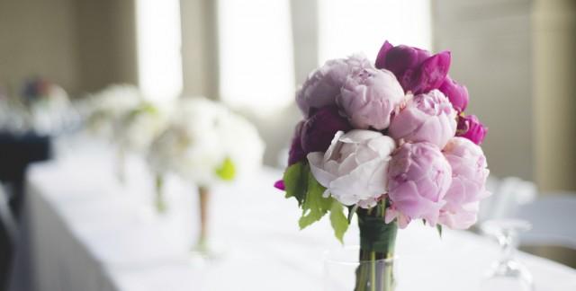 Make an unforgettable wedding day peony flower bouquet