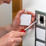 How to safely wire a light switch