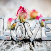 6 tips to help you write a romantic love letter