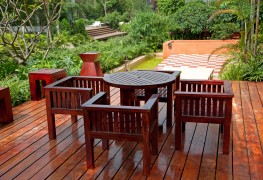 4 ways to keep your outdoor patio furniture clean