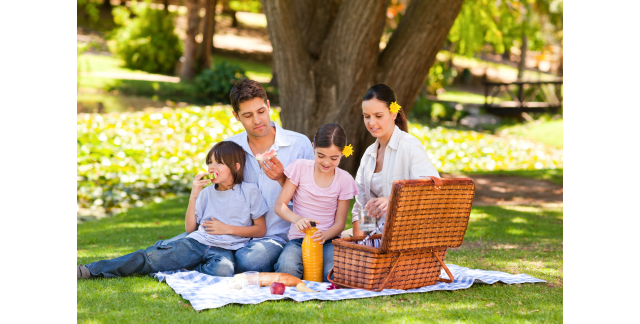 Dining outside the home: 4 simple ways to eat healthier and save money