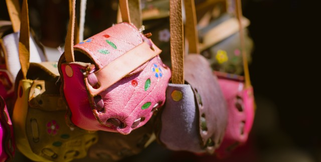 Handy tips for cleaning all kinds of handbags