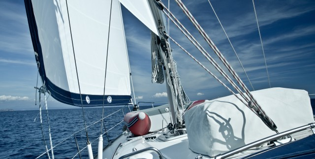 5 items you absolutely must bring on your first sailing trip